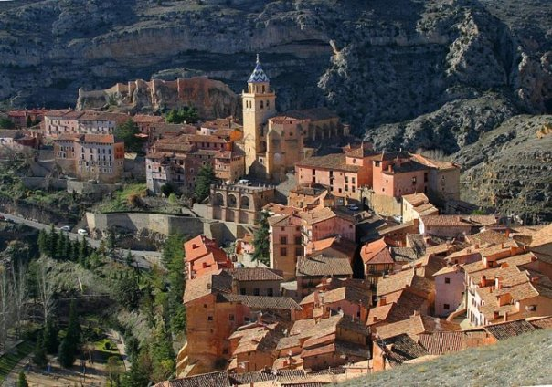 vista-general-de-albarracin-teruel-espana